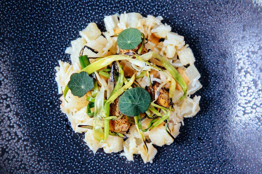 Crab and nashi pear dish