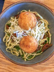 Goat's cheese and sundried tomato linguine